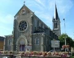 eglise church saint joseph dompierre sur besbre allier val de besbre france 360 degres panorama virtual VR 3d visite virtuelle